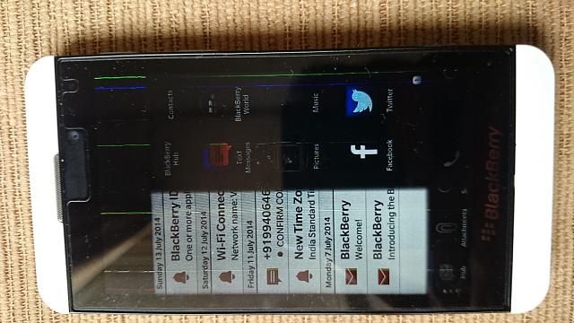 BB Z10 screen shows some lines & freezes-_57.jpg
