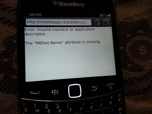 I cannot update my blackberry app world on my bold 9900