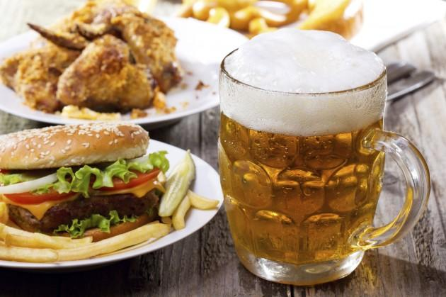 10.3.0.710 Waiting Lounge-beer-food-pairing-istockphoto-630x419.jpg