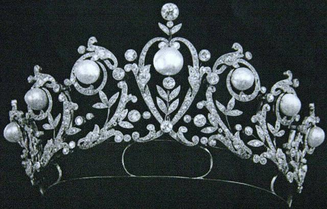 The Ultimate Leak Waiting Room-diamond-pearl-tiara-crown-diadem.jpg