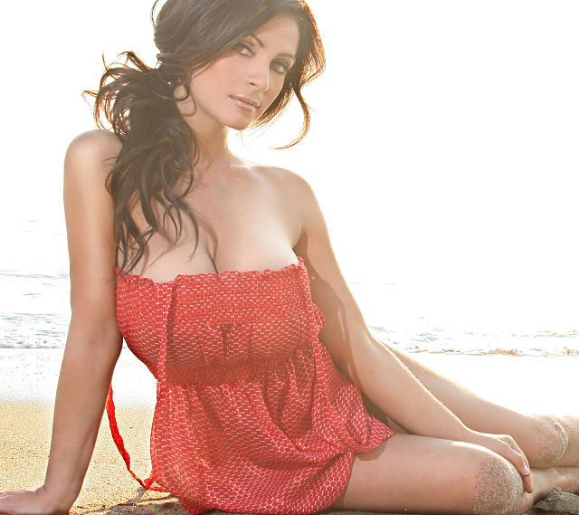 Galaxy S III stock wallpaper-denise-milani-wallpaper.jpg