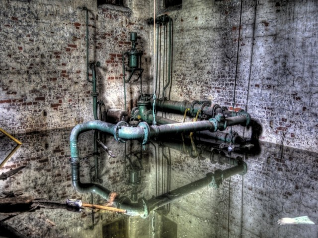 Serversurfers Bold9900/9930 walls.... [Some NSFW]-water_pipes_by_drangnel-d4c33pp.jpg