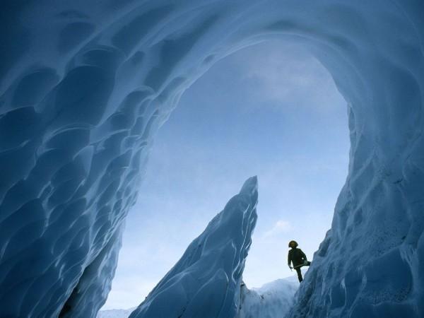 Blackberry Z10 wallpaper-matanuska-glacier-cave-alaska.jpg