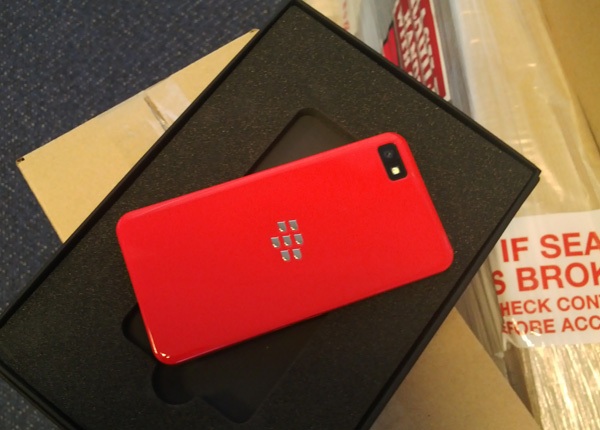 BB 10 Limited Edition Revealed - BB Z10 Red Baby!!-devblog-le-edited.jpg
