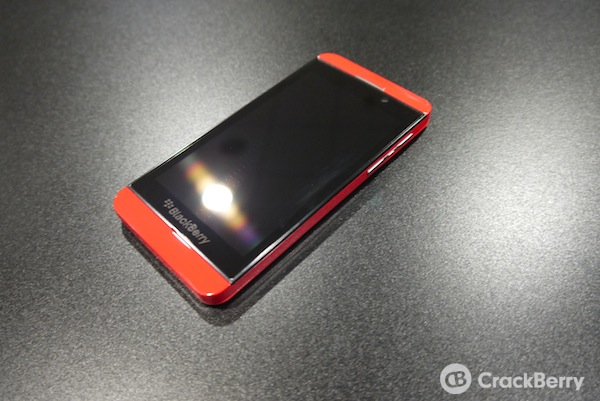 BB 10 Limited Edition Revealed - BB Z10 Red Baby!!-p1010004.jpg