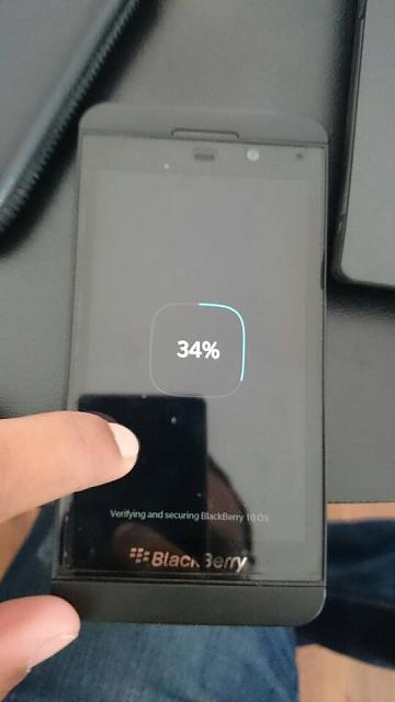 Why does my Z10 freeze after booting up the loading screen?-1425059739729.jpg
