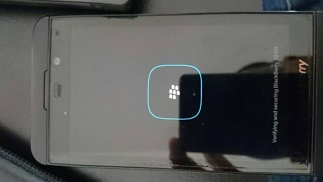 Why does my Z10 freeze after booting up the loading screen?-1425059754903.jpg