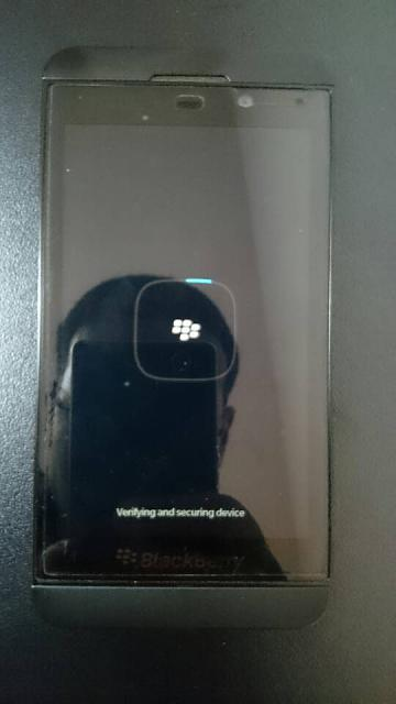 Z10 (10.3.1.1154) boots up but doesn't get past the loading screen-1425175668583.jpg