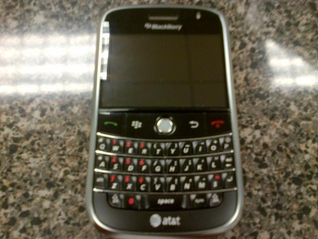 Just Got A Brand Spankin' New Bold 9000 (again)!-crackberry9000.jpg