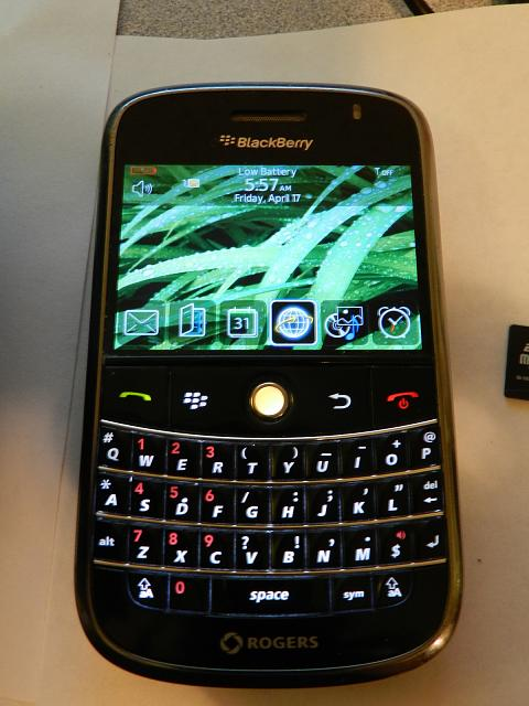 anyone still using a blackberry bold 9000 blackberry. Black Bedroom Furniture Sets. Home Design Ideas