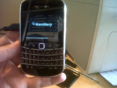 Blackberry doesn't finish loading and won't turn on!!-img00220-20130817-1600.jpg