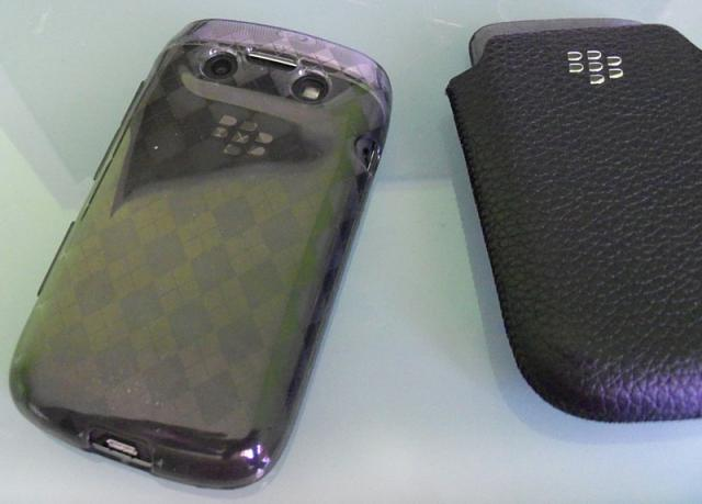Bold 9790 Case or no Case?-tpu_gel_9790-2-.jpg