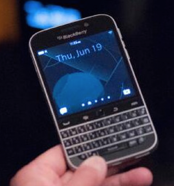 BlackBerry Classic - HD Render and Pictures-screen-shot-2014-06-20-5.01.35-pm.png
