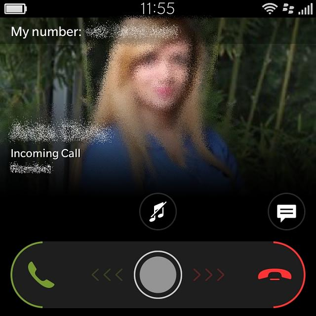 Incoming call can be picked up on screen - BlackBerry ...