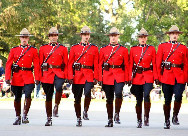 Hmm... interesting-royal-canadian-mounted-police9.jpg