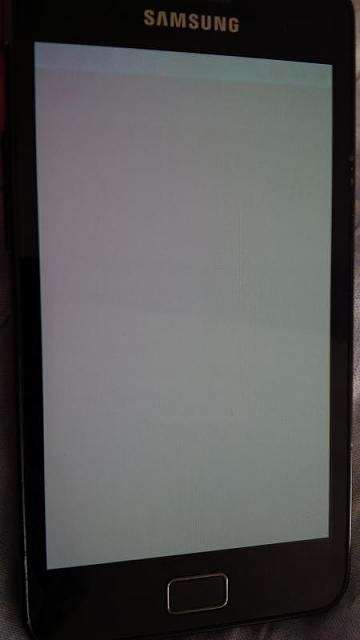 Why is the Q30 a LCD screen?-img_20140529_122636.jpg