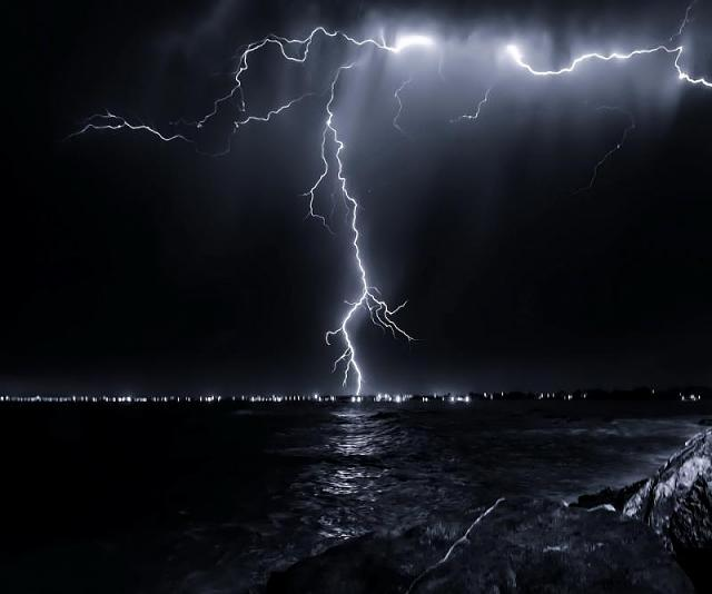 Passport wallpaper-lightning_above_sea-wallpaper-10384003.jpg