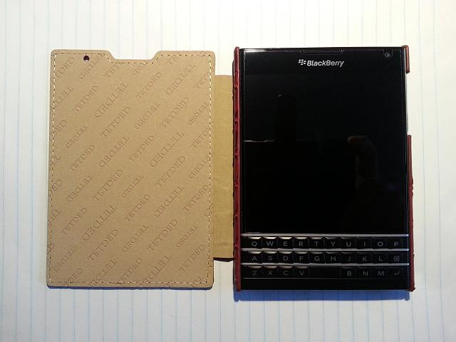 BlackBerry Passport Leather Flip Case-20141110_161434.jpg