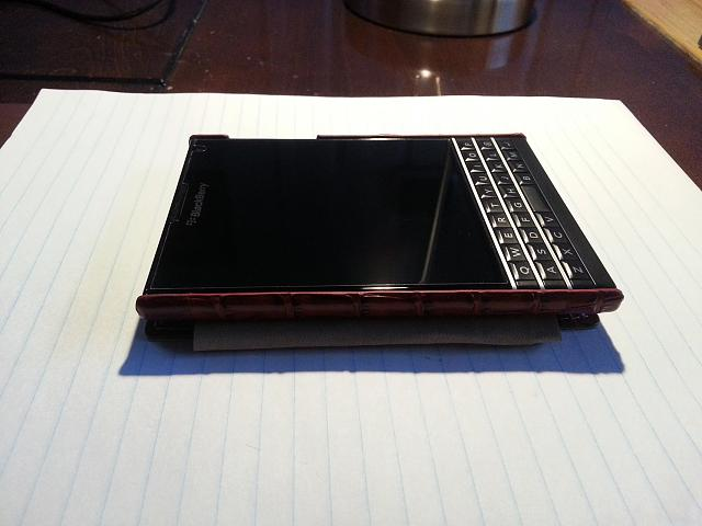 BlackBerry Passport Leather Flip Case-20141110_161537.jpg