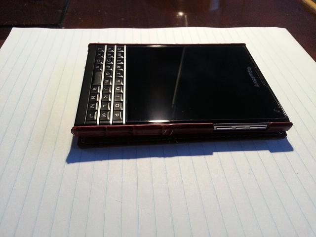 BlackBerry Passport Leather Flip Case-20141110_161558.jpg
