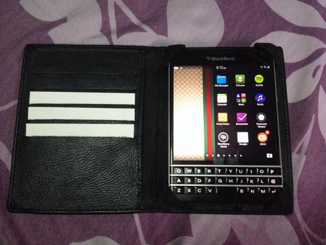 BlackBerry Passport available in PH, Php 32,000-image-cc581e4e6dfcbc4f6bcd6778b2f22055c79626297af180a443df99b4bd126922-v.jpg