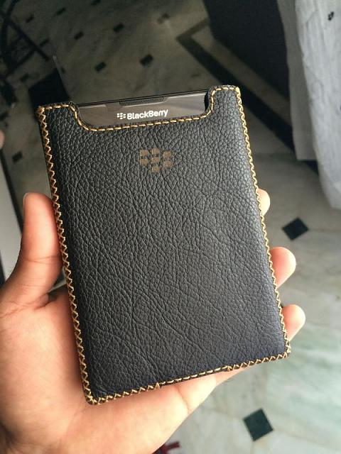 Found a nice selection of Passport leather pouches-img_5666.jpg