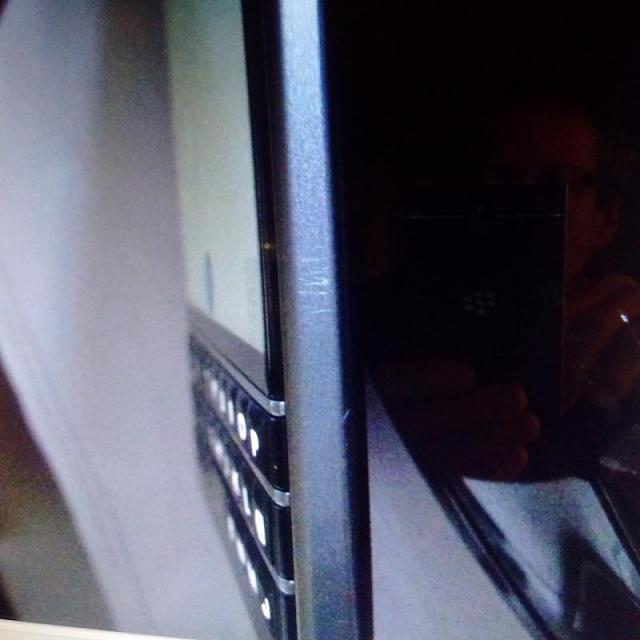 How can I fix my Blackberry Passport LCD that has dislodged?-img_20150216_120510.jpg