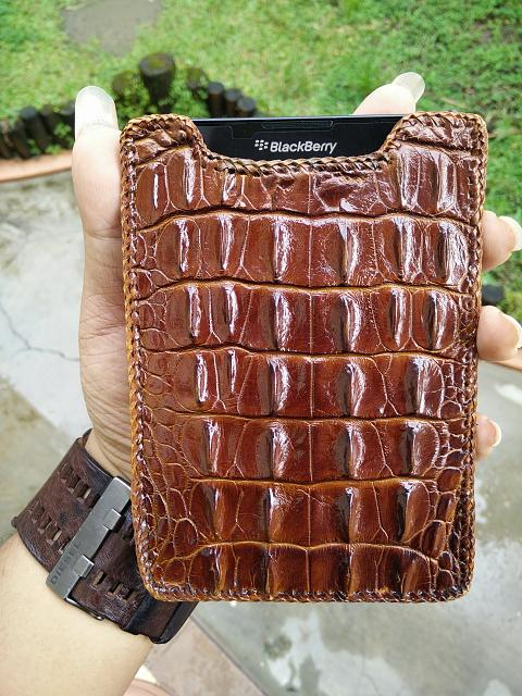 Passport Cases-genuine-horn-back-crocodile-papua-pouch-1.jpg