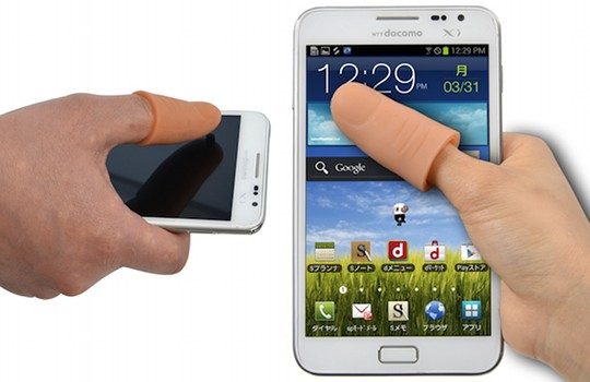 need help-thanko-thumb-extender-extension-finger-phone-touchscreen-3.jpg