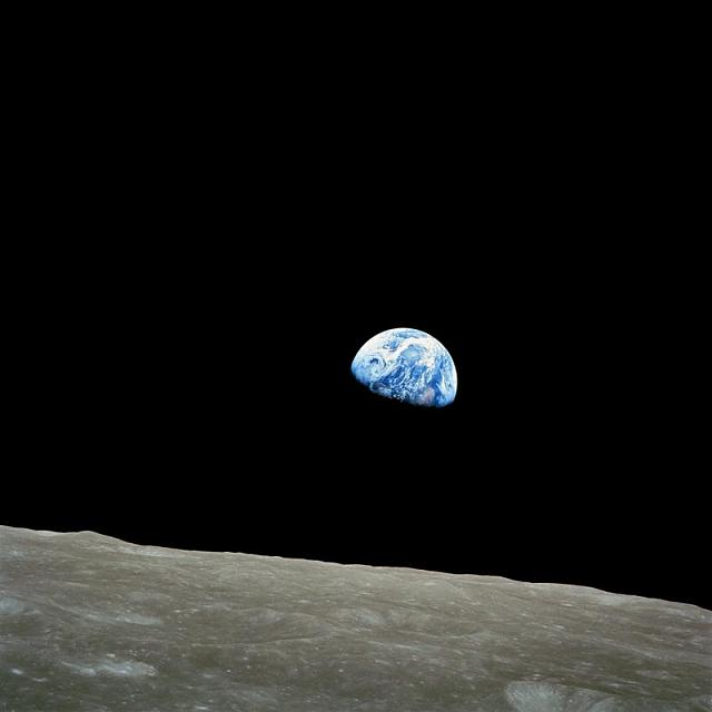 Wanted: the classiest wallpaper for the Passport-nasa-apollo8-dec24-earthrise.jpg