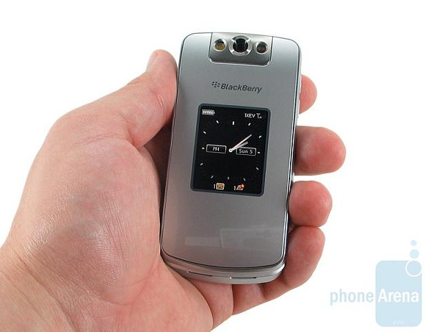 Some questions concerning the BB Pearl Flip 8230...-rim-blackberry-pearl-flip-8230-review-design-005.jpg