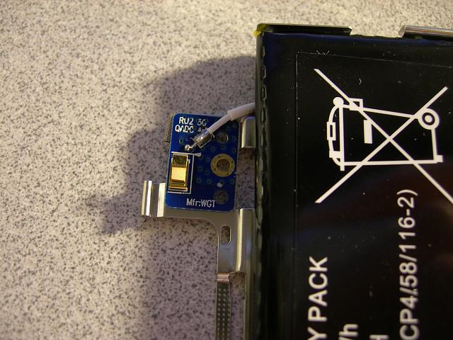 Where is the playbook WiFi antenna located?-dscn9526.jpg