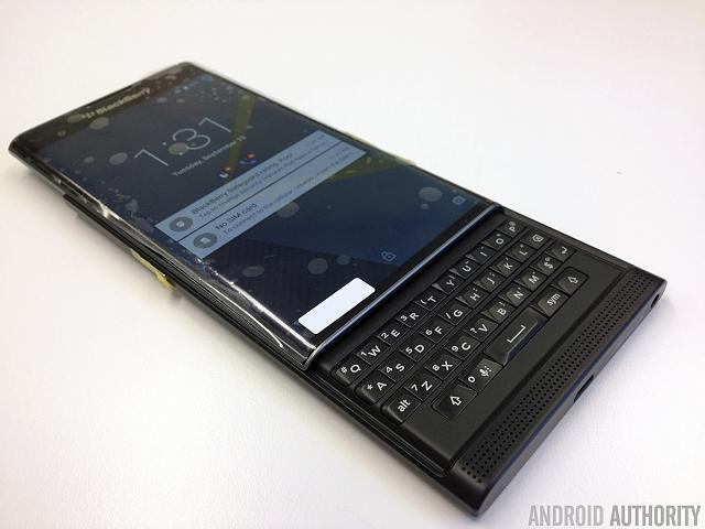 Blackberry Safeguard and GrSecurity confirmed on the Slider-blackberry-venice-leak-3.jpg