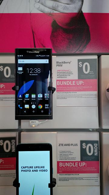 Priv display in downtown San Francisco T-Mobile store