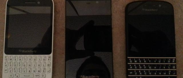 Leak Image Blackberry 10 N Series First Front/Back/Cover  Image-1356359244306.jpg