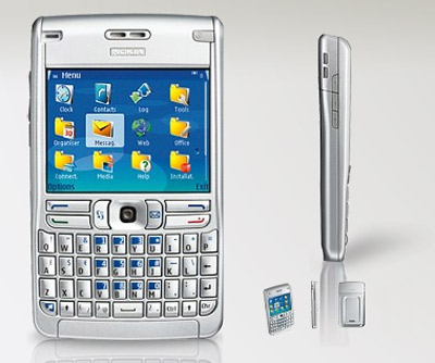 The new mid level QWERTY BB10 looks familiar-nokia-e61-1222785070.jpg