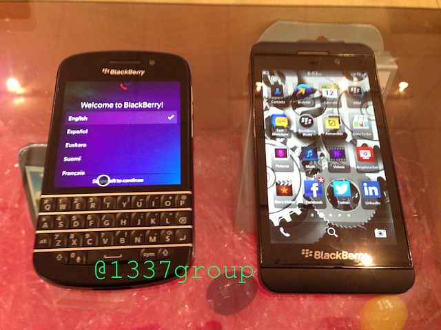 NEW Q10 PHOTOS! BlackBerry Q10 vs. Z10 size comparison-img_1221.png