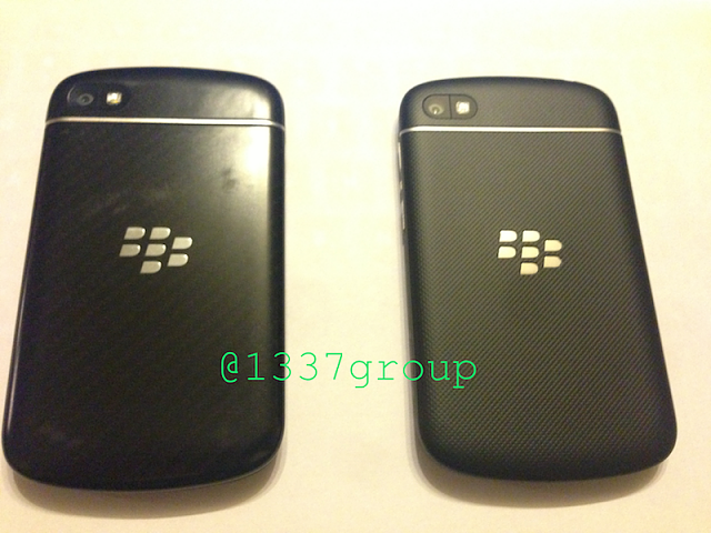 NEW Q10 PHOTOS! Carbon Weave backplate vs. Rubberized backplate-img_1298.png