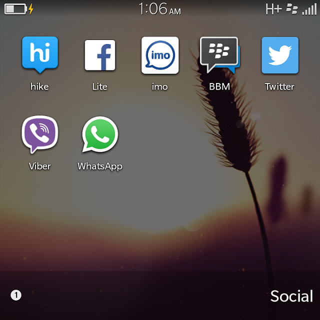 whatsapp download for bb q5