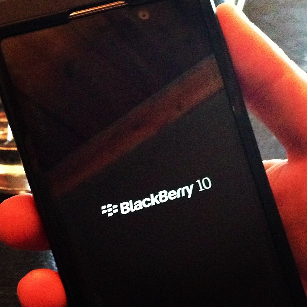 More BB10 L series pics! Must thank Corey from the Cellular Guru-29624_758602804014_1770109801_n.jpg