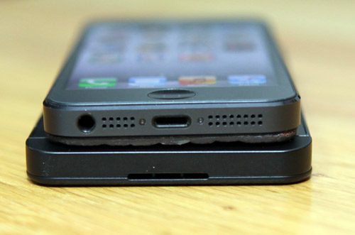 Is BlackBerry Z10 thinner than the iPhone 5?-comp6.jpg