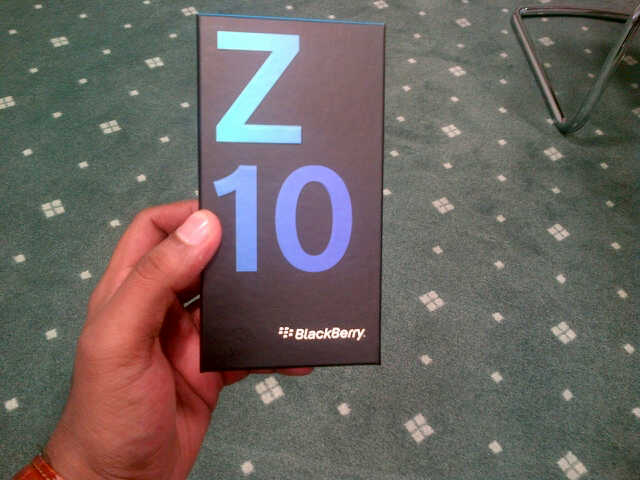Pic of BB 10 boxing. is it ok to post here?-img-20130129-00030.jpg