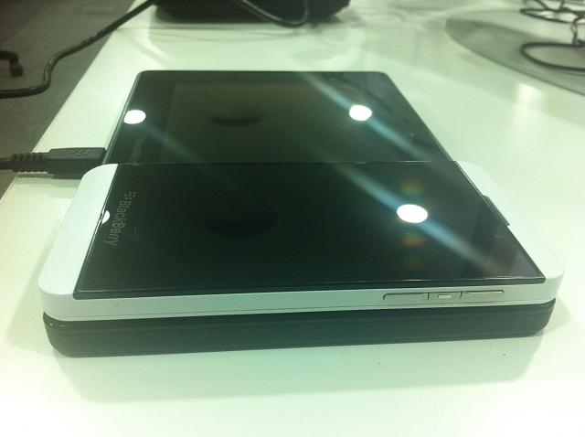 The Z10 is the same height as the PlayBook?-img_2060.jpg