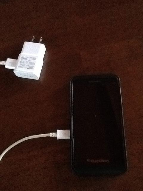 Charging My Z10 by using Samsung S4 Charger  - BlackBerry