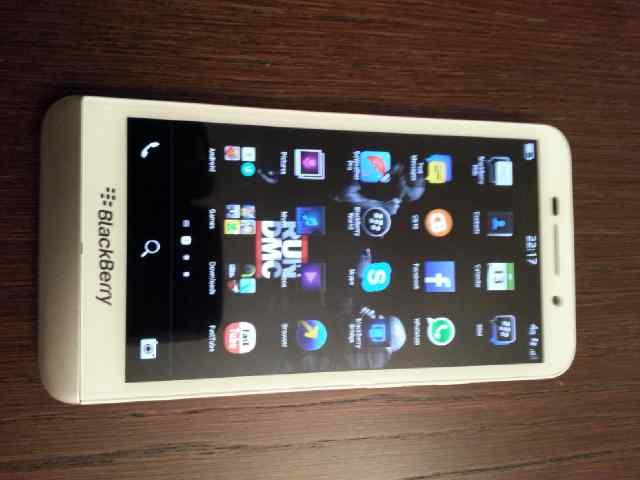 White Z30 bought for£350 from ebay - BlackBerry Forums at CrackBerry
