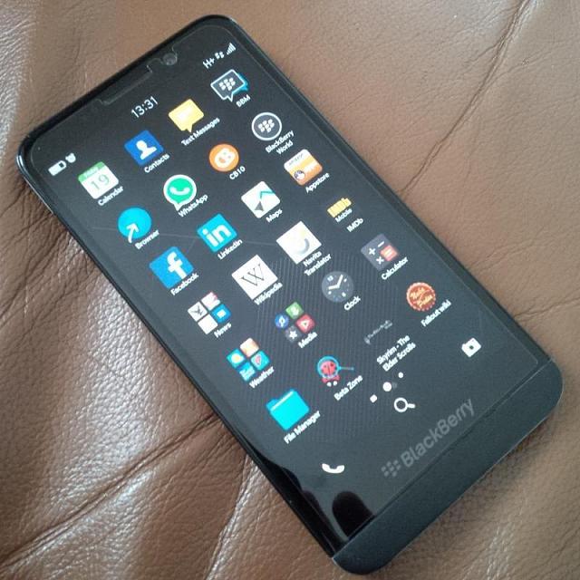 blackberry z30 white online dating
