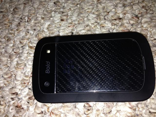 WTS: AT&T Bold 9900 w/Accessories-photo-3.jpg