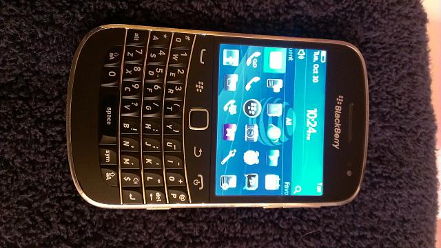 WTS Unlocked Blackberry Bold 9900 with accessories-imag0010.jpg