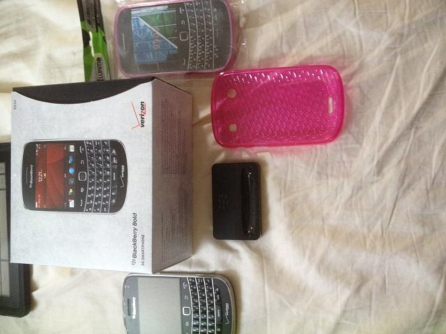 WTT: Bold 9930 (including parts for white) for Android S3 or other-photo-2.jpg