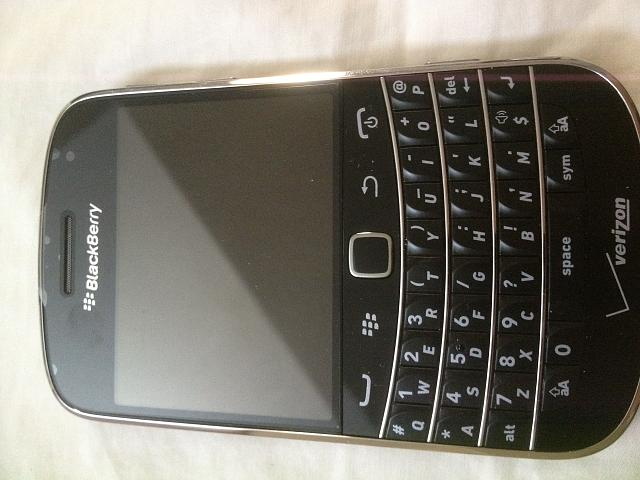 WTT: Bold 9930 (including parts for white) for Android S3 or other-photo-1.jpg